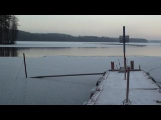 1-ый способ передвижения по льду на лодке)