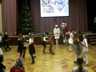 Новогоднее выступление 2 класса, танец полька