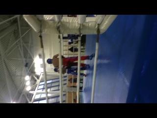 Мой первый бой по кику Я в красных штанах