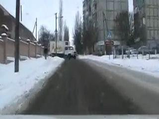 Опасный обгон перед равнозначным перекрестком.