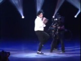 Michael Jackson - You Are Not Alone - живое исполнение Майкла Джексона самой романтичной песни.