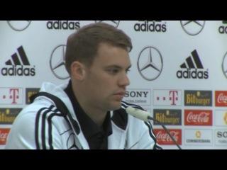 Manuel Neuer - Wir müssen kleine Brötchen backen