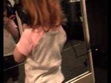 Моя дочка поёт песню Ёлки