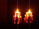 Посмотрите как красиво горят эти свечи...