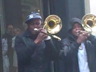 Бруклинский гэнгста щит на трубах