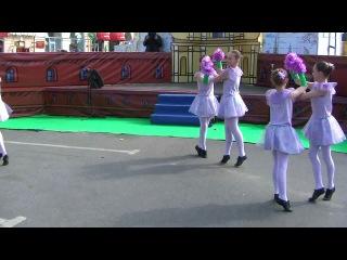 Детский образцовый хореографический ансамбль Калинка - Танец Ангелов (День Города 2012)