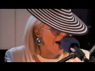 Lady GaGa - Poker Face (acoustic on BBC Radio 2009)