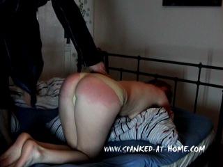 Порно ролики порка девушки ремнём фото 507-667