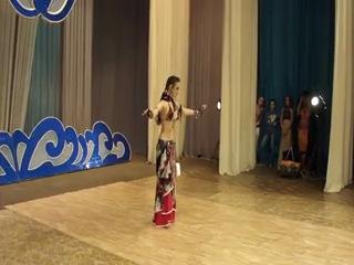 девченка круто танцует трайбл)))))))