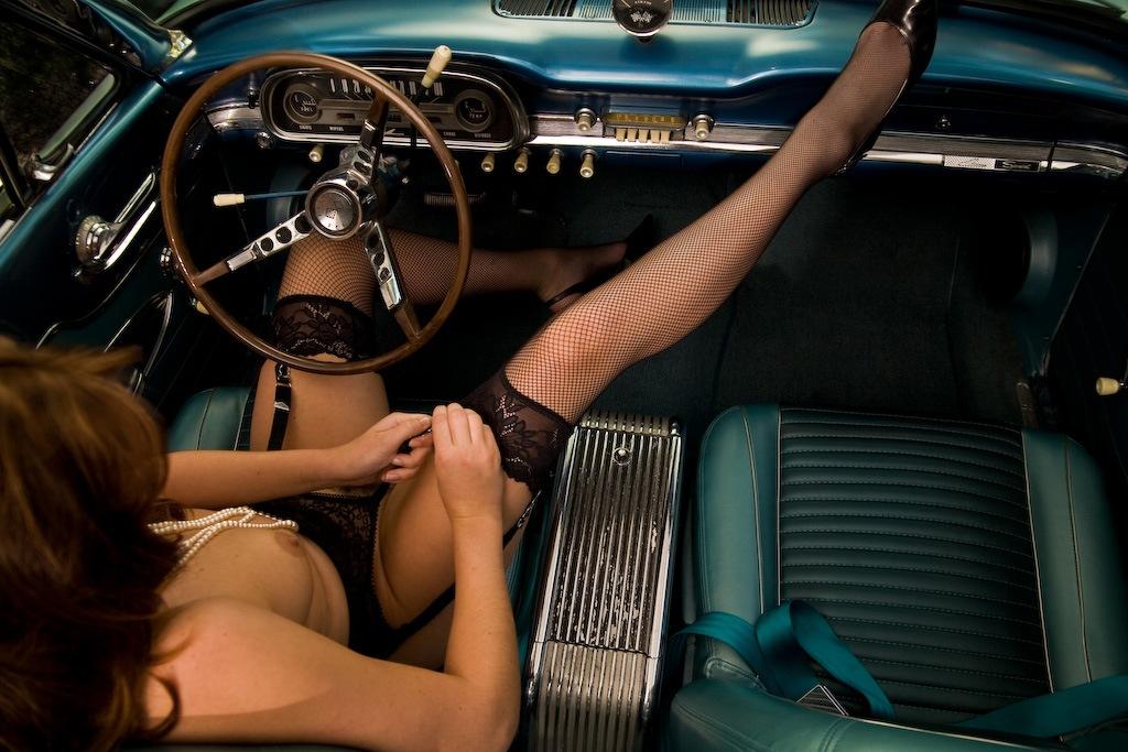 v-avto-golie