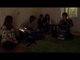 Лёша играет на волынке-22.12.13.