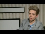 Elyar Fox interview: Elyar on his perfect girl, getting naked with Miley and touring with Union J