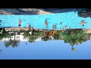 Беф проводит аква аэробику. Сонеста клаб 2013
