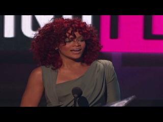 Рианна победила в номинации «Favorite Soul/R&B Female Artist» на American Music Awards 2010