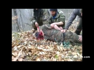 Чеченские террористы режут голову