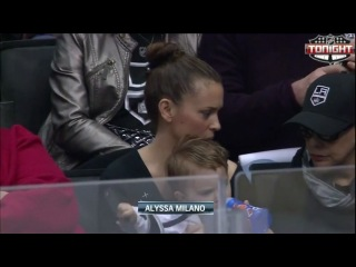 Alyssa Milano on Game between the Los Angeles Kings and the Chicago Blackhawks [19.01.2013]