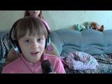 девочка круто поёт!!!