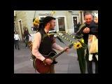 Уличный чудо музыкант=))) человек оркестр