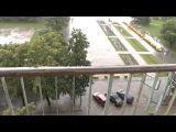 Боже мой......Какой сильный дождь рядом с Оперным театром...07.08.13