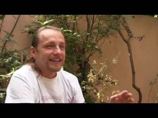 Призёр 'Битвы экстрасенсов' Дмитрий Троцкий - интервью в г. Путтапарти (2012)
