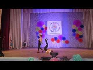 Акробатический танец Лаптий Анастасия и Чумакова Лиза