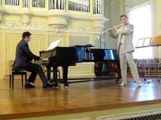 Sigfrid Karg-Elert Sinfonische Kanzo Elliot Carter Scrivo in Vento for flute alone