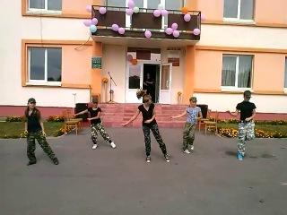 Деревня Poplavi день деревни