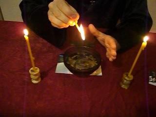 как церковными свечками очистить порчу сглаз недуг квартиру