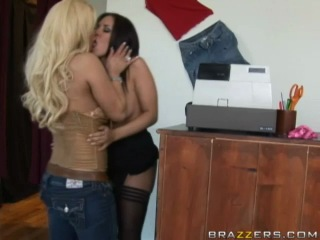 7 shyla stylez and zoe britton in i need a lesbian's opinion
