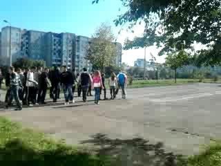 марширували якось