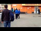 Сила в единстве!! Драка  в Люберцах. 3 чурок напали на  одного русского. Прохожие пришли на помощь, чурки бежали...