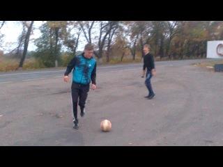 KraVa с битой и молотком vs $ered@ с мячём