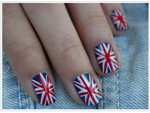 дизайн ногтей по типу английского флага.