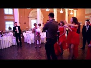 #Свадебный батл на свадьбе!  (Видеограф Илья Зайцев тел. +7-951-664-09-36)