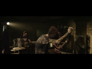 Bring me the Horizon-Can you feel my heart (Official video)