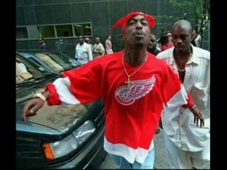 Tupac Shakur & Biggie Smalls - East Side West side