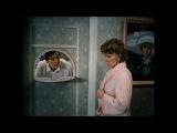 Соль - это белый яд. тк сахар же белый яд. Раиса Захаровна может с хлебушком, а? я  щас горбушечкой отравился бы, ну правда жрать охота. забавная сцена, смешной отрывок из фильма.