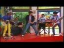 Violetta - Los chicos cantan Are You Ready For The Ride en el Restó-Band