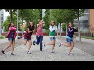 Дети круто отрываются в танце на улице !!!