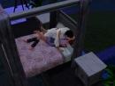 Страстный поцелуй в кровати*
