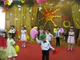 Танец с султанчиками  (8 марта 2 -я средняя группа 2013)