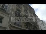 Kristen arriving at Karl Lagerfeld's office in Paris (4/02)