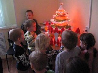 Новогоднее занятие для малышей в клубе