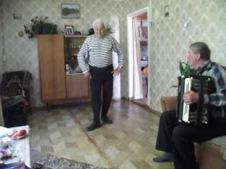Дед танцует яблочко в 75 лет,а вам,слабо?