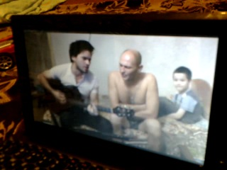 Глебушка, очень любит слушать , как играет и поёт дядя Андрей
