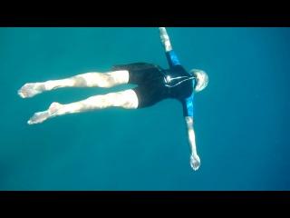 техника плавания под водой: брас с поддельфиниванием
