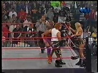 Corporal Cajun & Major Gunns vs. Kwee Wee & Paisley - [WCW Nitro - 14.08.2000]