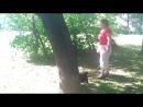 Клепа на прогулке. Взлет по дереву