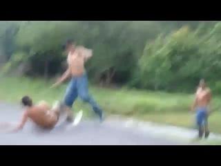 П'яні гастарбайтери влаштували бійку за пляшку горілки