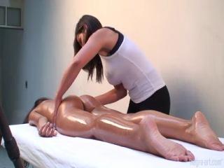 Как делать эротический массаж любимому человеку